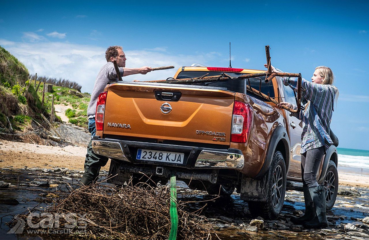 Nissan Navara OFF-ROADER AT32 Beach PLASTIC clean-up
