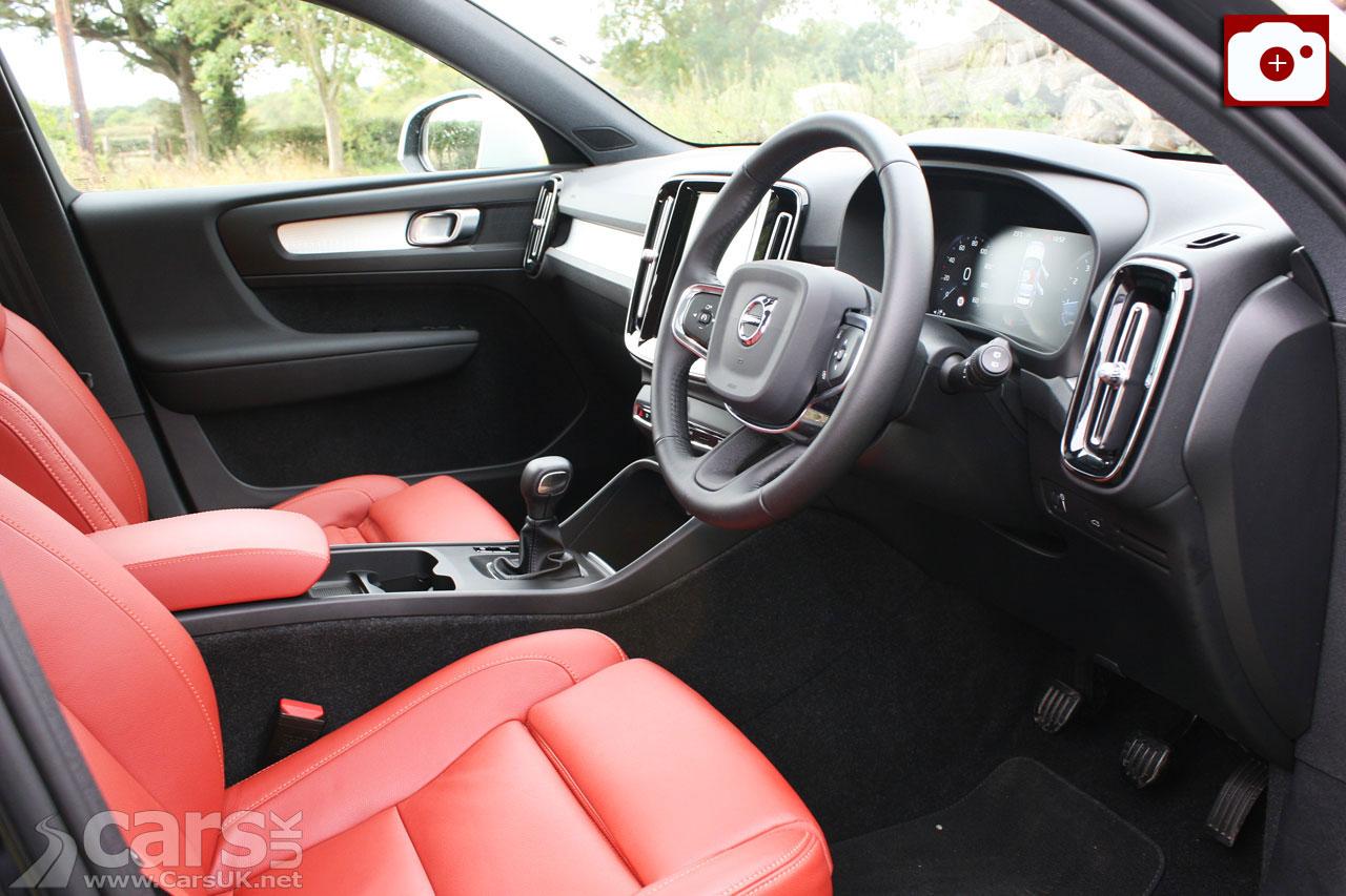 Volvo XC40 T3 Momentum Pro interior