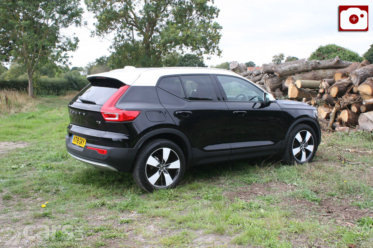 How is the Volvo XC40 T3 on the road?