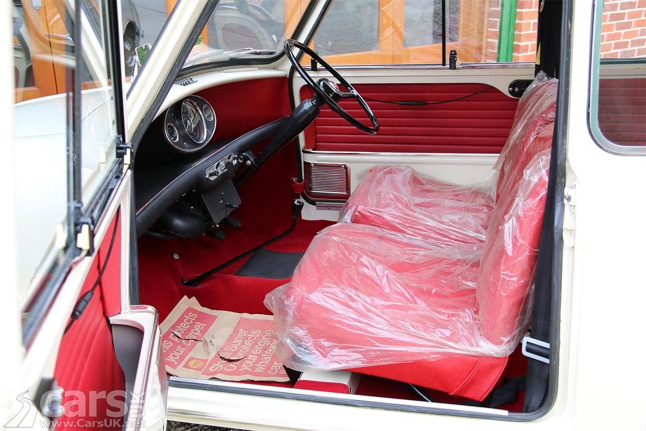 Photo 'New' 1968 Mk1 Morris Minor-Mini Super De Luxe Interior