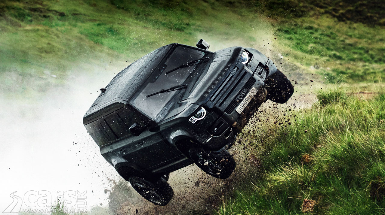Photo Land Rover Defender Bond Stunts