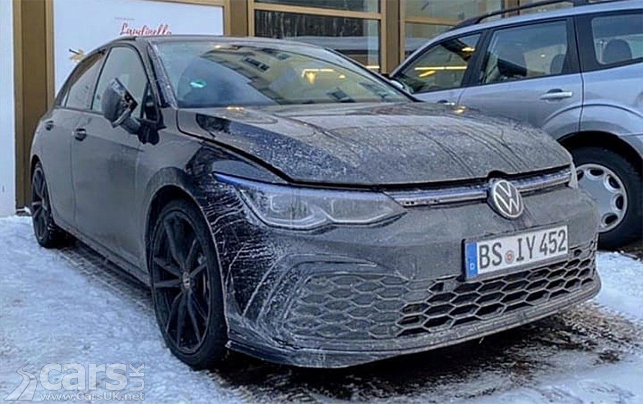 Spy photo new Volkswagen Golf R Mk8?