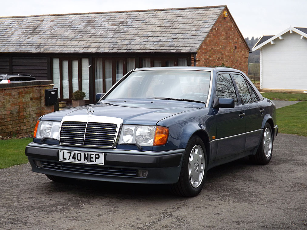 Photo Mercedes 500E Rowan Atkinson