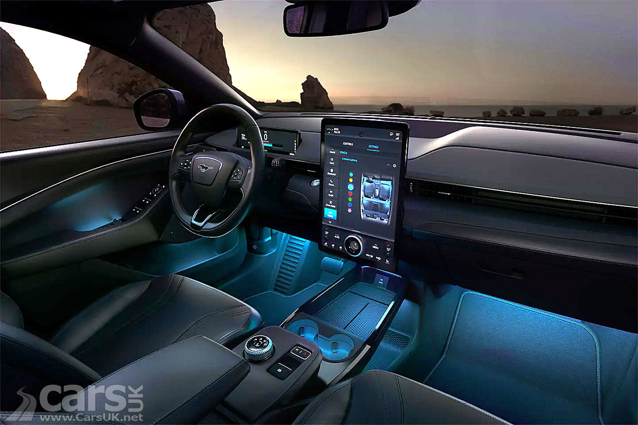 Photo Electric Ford Mustang Mach-E comes with OTA updates
