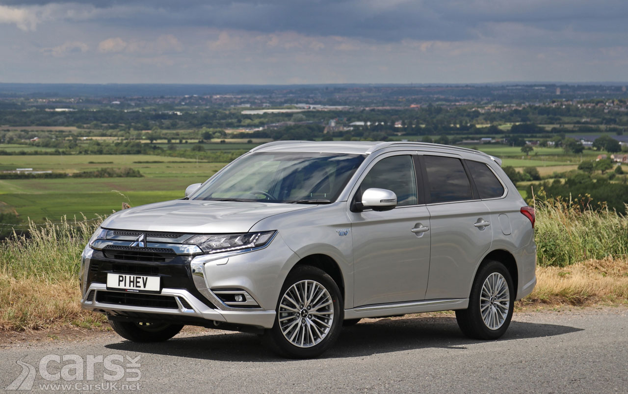 Photo Mitsubishi Outlander PHEV UK