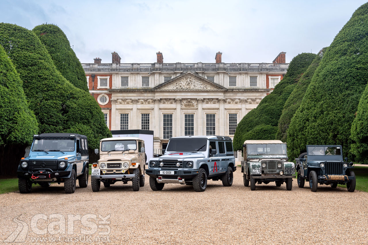 Photo Ineos Grenadier on show with Land Rover Defender
