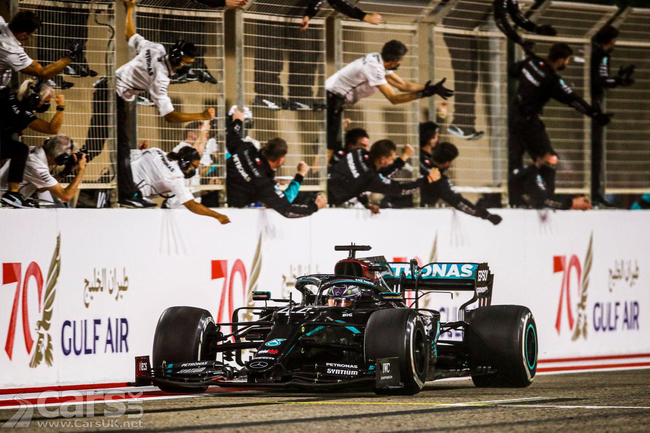 Photo Hamilton wins Bahrain Grand Prix