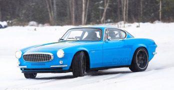 Photo Volvo P1800 Restomod by Cyan Racing Snow