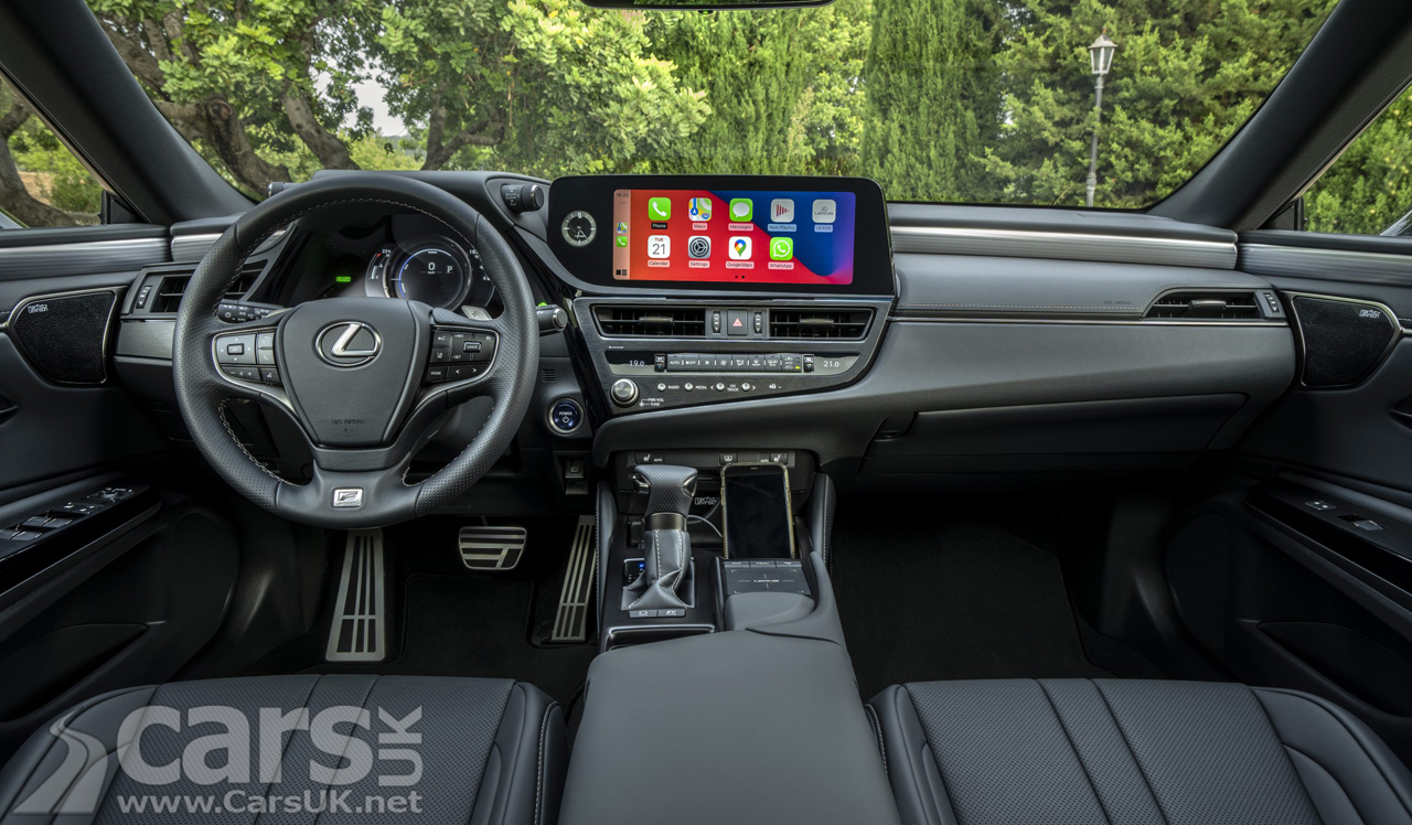 """Interior of the updated Lexus ES with new 12.3"""" multimedia"""